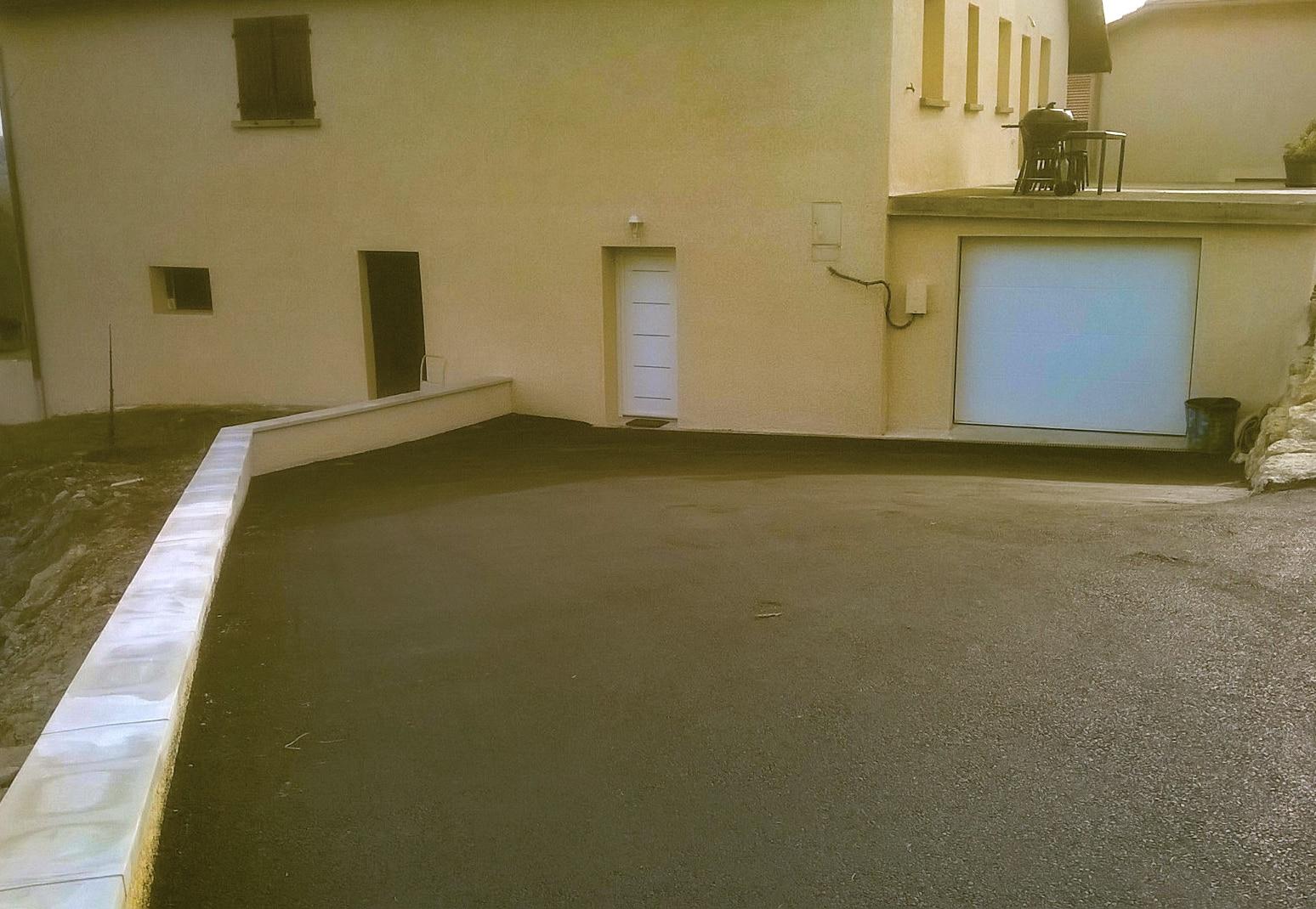 Pose porte garage et creation pente Bourgoin